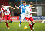 St Johnstone v Kilmarnock&hellip;15.10.16.. McDiarmid Park   SPFL<br />Brian Easton gets between Jordan Dicker and Luke Hendrie<br />Picture by Graeme Hart.<br />Copyright Perthshire Picture Agency<br />Tel: 01738 623350  Mobile: 07990 594431