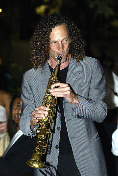 21 May 2005: Kenny G performs at the 2nd Annual Gala Dinner benefiting the Chaka Khan Foundation in Beverly Hills, CA.  .Mandatory Credit: Juliann Tallino