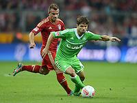 FUSSBALL   1. BUNDESLIGA  SAISON 2012/2013   5. Spieltag FC Bayern Muenchen - VFL Wolfsburg    25.09.2012 Xherdan Shaqiri (li, FC Bayern Muenchen) gegen Diego (VfL Wolfsburg)