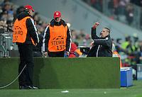 FUSSBALL   CHAMPIONS LEAGUE   SAISON 2011/2012  Achtelfinale Rueckspiel 13.03.2012 FC Bayern Muenchen - FC Basel  Der Star verlaesst die Arena; Franck Ribery (FC Bayern Muenchen)