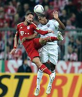 Fussball DFB Pokal:  Saison   2011/2012  2. Runde  26.10.2011 FC Bayern Muenchen - FC Ingolstadt 04 Diego Contento (li, C Bayern Muenchen) gegen Caiuby Francisco da Silva (FC Ingolstadt )