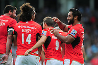 Saracens players celebrate Richard Wigglesworth's try. Aviva Premiership match, between Harlequins and Saracens on September 24, 2016 at the Twickenham Stoop in London, England. Photo by: Patrick Khachfe / JMP