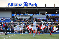 Rhys Priestland and the rest of the Bath Rugby team make their way onto the field. Aviva Premiership match, between Saracens and Bath Rugby on January 30, 2016 at Allianz Park in London, England. Photo by: Patrick Khachfe / Onside Images