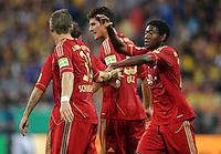 FUSSBALL   DFB POKAL   SAISON 2011/2012  1. Hauptrunde Eintracht Braunschweig - FC Bayern Muenchen   01.08.2011 David ALABA (re) gratuliert Bastian SCHWEINSTEIGER (re, beide Bayern) nach dem  0:2