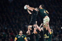 Richie McCaw of New Zealand competes with Eben Etzebeth of South Africa for the ball at a lineout. Rugby World Cup Semi Final between South Africa and New Zealand on October 24, 2015 at Twickenham Stadium in London, England. Photo by: Patrick Khachfe / Onside Images