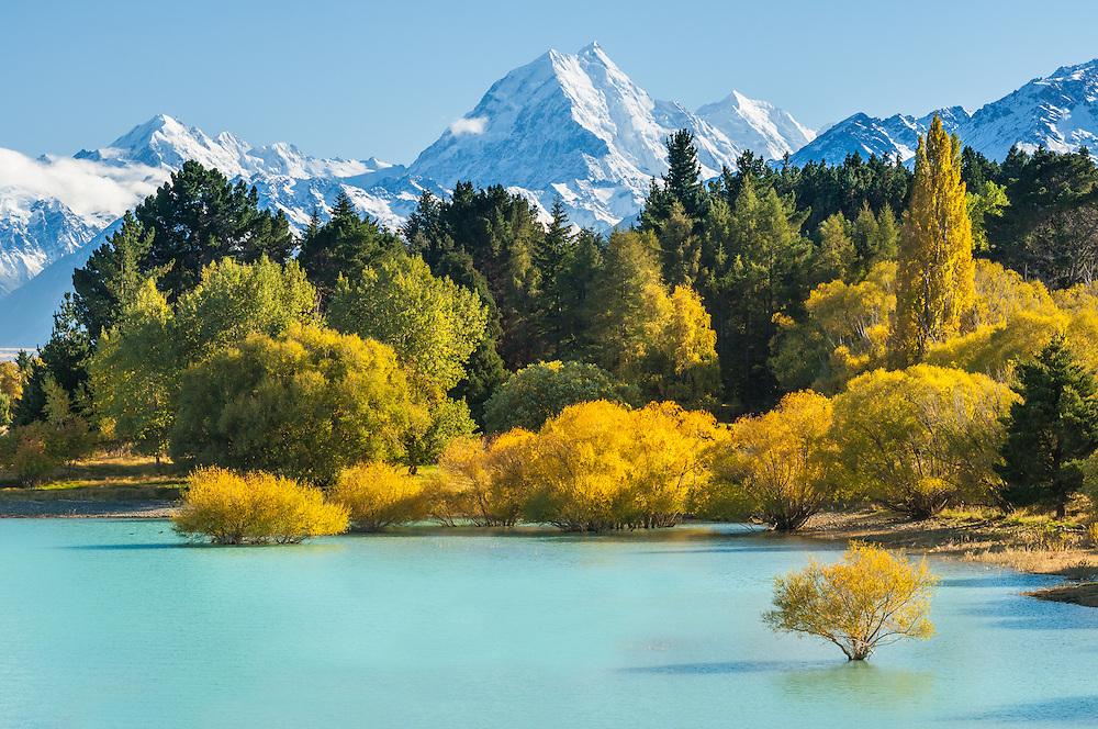 Aoraki Mt Cook,  Lake Pukaki. Mackenzie Country, South Canterbury