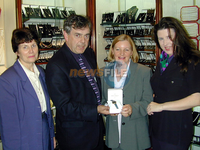 Gabrielle and Bernard English and Audrey Smith making a presentation to Vivienne Kiernan..Picture Paul Mohan Newsfile
