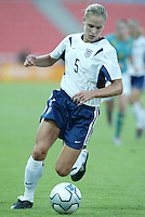 17 August 2004:   Lindsay Tarpley in action against Australia  at Kaftanzoglio Stadium in Thessaloniki, Greece.     USA tied Australia at 1-1.   Credit: Michael Pimentel / ISI