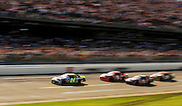 Jeff Gordon leads the 2005 Aaron's 499 at Talladega SuperSpeedway.
