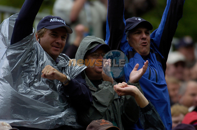 Ryder Cup K Club Straffin Co Kildare..Ryder Cup fans during the morning fourball session of the second day of the 2006 Ryder Cup at the K Club in Straffan, County Kildare, in the Republic of Ireland, 23 September, 2006..Photo: Barry Cronin/ Newsfile.<br />