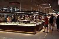 Beijing ,China- 2007 File Photo -<br /> <br /> <br /> Salesroom of a Jade factory.<br /> <br /> <br /> photo : James Wong-  Images Distribution