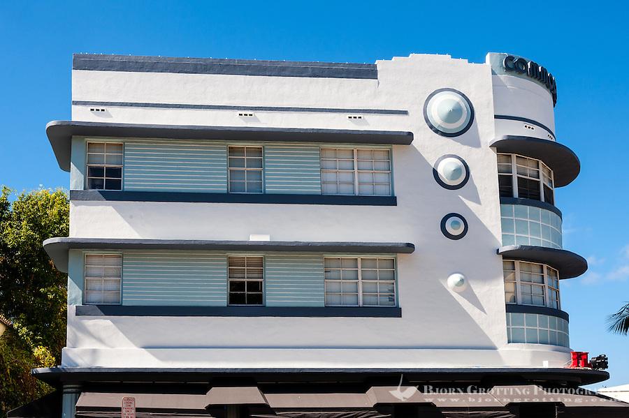 US, Florida, Miami Beach. Art Deco, Cafe De Arts, Collins Ave.