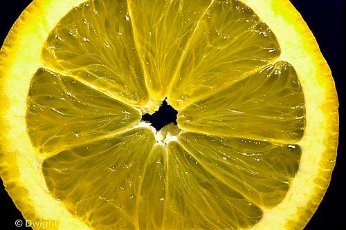 JA02-013x  Food - close-up of orange slice