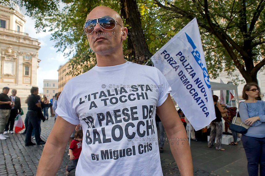 Roma 6 Settembre 2014<br />  Prima manifestazione nazionale &quot;Orgoglio Italiano&quot;.<br /> Per dire basta allo stupro della nostra patria, all' illeggittimit&agrave; della classe politica, per chiedere le dimissioni del governo, e la chiusura immediata delle frontiere italiane. <br /> Rome September 6, 2014 <br />  First national demostration  &quot;Italian Pride&quot;. <br /> To say stop the rape of our country, to illegitimacy of the political class, to demand the resignation of the government, and the immediate closure of the Italian borders.