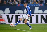 FUSSBALL   1. BUNDESLIGA   SAISON 2012/2013    25. SPIELTAG FC Schalke 04 - Borussia Dortmund                         09.03.2013 Julian Draxler (FC Schalke 04) Einzelaktion am Ball