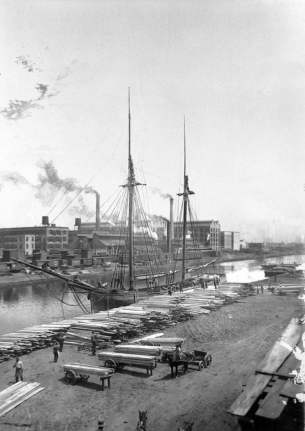 Lumber schooner on the Chicago River, Chicago, Illinois, 1900.