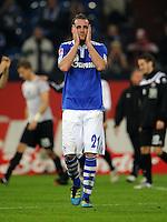 FUSSBALL   1. BUNDESLIGA   SAISON 2011/2012    9. SPIELTAG FC Schalke 04  - 1. FC Kaiserslautern                      15.10.2011 Christoph METZELDER (Schalke) ist nach dem Abpfiff enttaeuscht