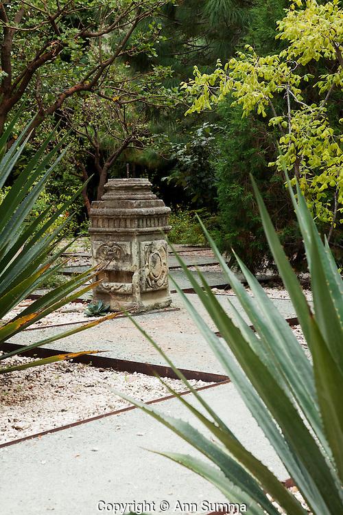 Oaxaca mexico the design of the jardin ethno botanico in for Jardin botanico medicinal