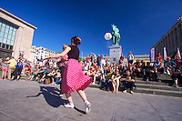 Ivan and Audrey Ann tear up the impromptu dance floor at Kunstberg/Mont des Arts during the Brussels Summer fest