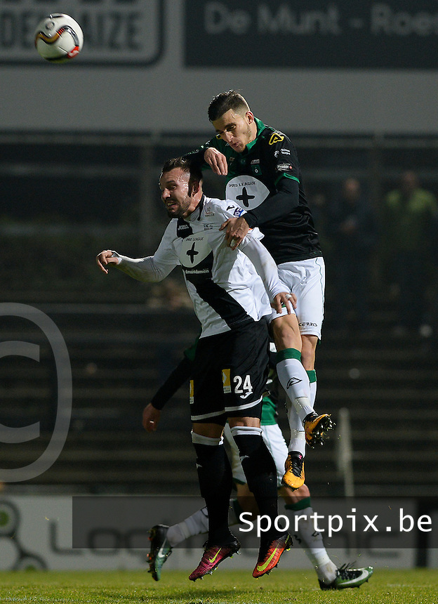 20161217 - ROESELARE , BELGIUM : duel pictured between Roeselare's Mathieu Cornet (left) and Cercle's Pierre Bourdin (r) during the Proximus League match of D1B between Roeselare and Cercle Brugge, in Roeselare, on Saturday 17 December 2016, on the day 20 of the Belgian soccer championship, division 1B. . SPORTPIX.BE | DAVID CATRY