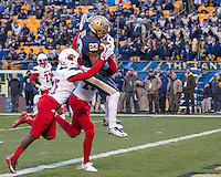 Pitt wide receiver Tyler Boyd (23) makes a 35-yard touchdown catch. The Pitt Panthers football team defeated the Louisville Cardinals 45-34 on Saturday, November 21, 2015 at Heinz Field, Pittsburgh, Pennsylvania.