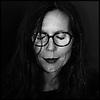 Camille Serra, artiste et designer