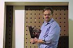 Foto: VidiPhoto<br /> <br /> SPANKEREN - Aannemer Johan Ebbers uit Spankeren in zijn werkplaats.