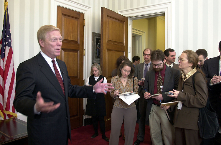 1gephardt030801 -- Richard Gephardt, D-Mo., during his press conference on the differences between the Democratic and Republican budget/tax plans.