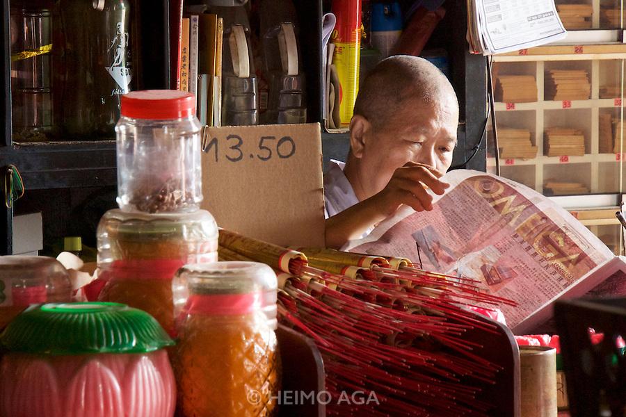 Malaysia, Penang. Snake Temple.