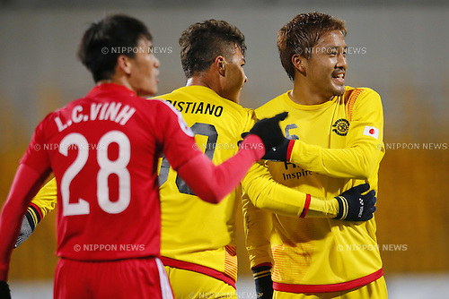 (L-R) Cristiano, Tetsuro Ota (Reysol), March 3, 2015 - Football / Soccer : Cristiano celebrates with his team mate after scoring team's second goal against Binh Duong during the2015 AFC Champions League Group E match between Kashiwa Reysol 5-1 Binh Duong at Hitachi Kashiwa Stadium in Chiba, Japan. (Photo by Yusuke Nakanishi/AFLO SPORT) [1090]