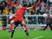 FUSSBALL   1. BUNDESLIGA  SAISON 2011/2012   17. Spieltag   16.12.2011 FC Bayern Muenchen - 1. FC Koeln        Franck Ribery (vorn, FC Bayern Muenchen) gegen Henrique Sereno (1. FC Koeln)