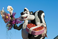 "Pepe le Pew, New Mexico, ""Enchantment in the Air"" colorful, Rose Float 2010"