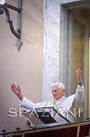 Regina Coeli prayer Benedict XVI in the of residence in Castelgandolfo, April 5, 2010