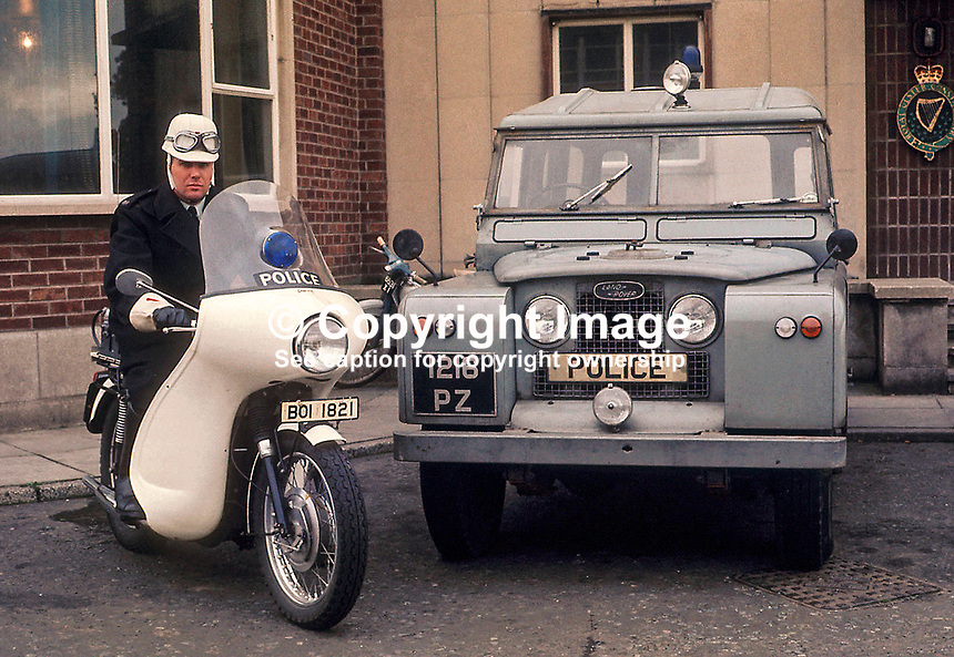 File image, police motorcyclist, police Landrover, RUC, N Ireland, UK, 197009002..Copyright Image from Victor Patterson, 54 Dorchester Park, Belfast, UK, BT9 6RJ..Tel: +44 28 9066 1296.Mob: +44 7802 353836.Voicemail +44 20 8816 7153.Skype: victorpattersonbelfast.Email: victorpatterson@mac.com.Email: victorpatterson@ireland.com (back-up)..IMPORTANT: If you wish to use this image or any other of my images please go to www.victorpatterson.com and click on the Terms & Conditions. Then contact me by email or phone with the reference number(s) of the image(s) concerned.