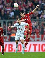 FUSSBALL   1. BUNDESLIGA  SAISON 2012/2013   13. Spieltag FC Bayern Muenchen - Hannover 96     24.11.2012 Szabolcs Huszti (li, Hannover 96) gegen Javi , Javier Martinez (FC Bayern Muenchen)