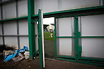 Hibernian 3 Alloa Athletic 0, 12/09/2015. Easter Road stadium, Scottish Championship. The home team's John McGinn taking a corner at Easter Road stadium during second-half of the Scottish Championship match between Hibernian and visitors Alloa Athletic. The home team won the game by 3-0, watched by a crowd of 7,774. It was the Edinburgh club's second season in the second tier of Scottish football following their relegation from the Premiership in 2013-14. Photo by Colin McPherson.