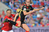 Norway : UEFA Women's Euro Qualifying group stage (Group 3) - 15/09/2012  - Oslo - Ullevaal Stadion : Norway  (Noorwegen) - BELGIUM ( Belgie) : Janice Cayman in duel met Toril Akerhaugen.foto DAVID CATRY / Vrouwenteam.be