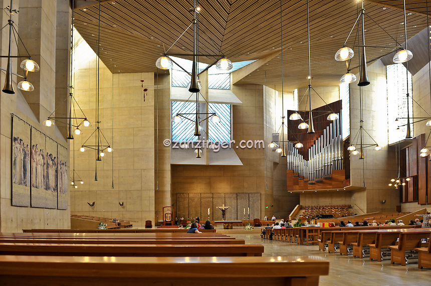 Cathedral of Our Lady of the Angels, Los Angeles, CA, Downtown, City, church, Spanish architect, Rafael Moneo, acute and obtuse angles