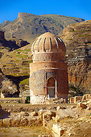 The endangered Fifteenth century Mausoleum of Zeynel Bey, son of Akkoyunlu Sultan, Uzun Hasan on the banks of the Tigris River, Hasankeyf, Turkey