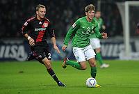FUSSBALL   1. BUNDESLIGA   SAISON 2011/2012   19. SPIELTAG Werder Bremen - Bayer 04 Leverkusen                    28.01.2012 Michal Kadlec (li, Bayer 04 Leverkusen) gegen Niclas Fuellkrug (RE, SV Werder Bremen)