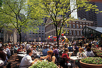 AJ4433, Boston, outdoor cafe, Marketplace, Faneuil Hall, Quincy Market, Massachusetts, People eating at an outdoor cafe on a sunny day in the spring at Faneuil Hall Marketplace in downtown Boston in the state of Massachusetts.