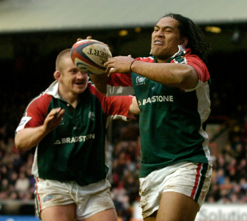 Photo: Richard Lane..Leicester Tiger v Newcastle Falcons. Zurich Premiership. 19/02/2005..Henry Tuilagi celebrates his try.