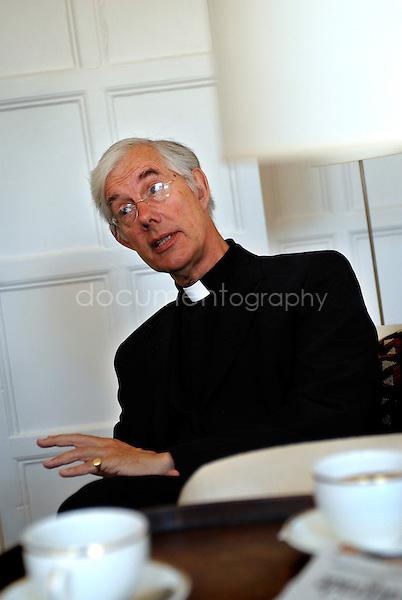 June 2008, Canterbury, Uk..Reverent Willis.