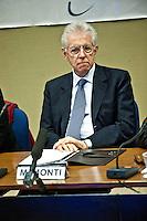 ASSERGI (AQ) - LA CONVERENZA STAMPA DEL GOVERNO A L'AQUILA. NELLA FOTO IL PRESIDENTE DEL CONSIGLIO MARIO MONTI. FOTO DI LORETO