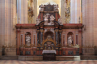 High altar, 1758, by Humbert Dumandre, Segovia Cathedral, (Catedral de Segovia, Catedral de Santa Maria), 1525-77, by Juan Gil de Hontanon (1480-1526), and continued by his son Rodrigo Gil de Hontanon (1500-1577), Segovia, Castile and Leon, Spain. Picture by Manuel Cohen