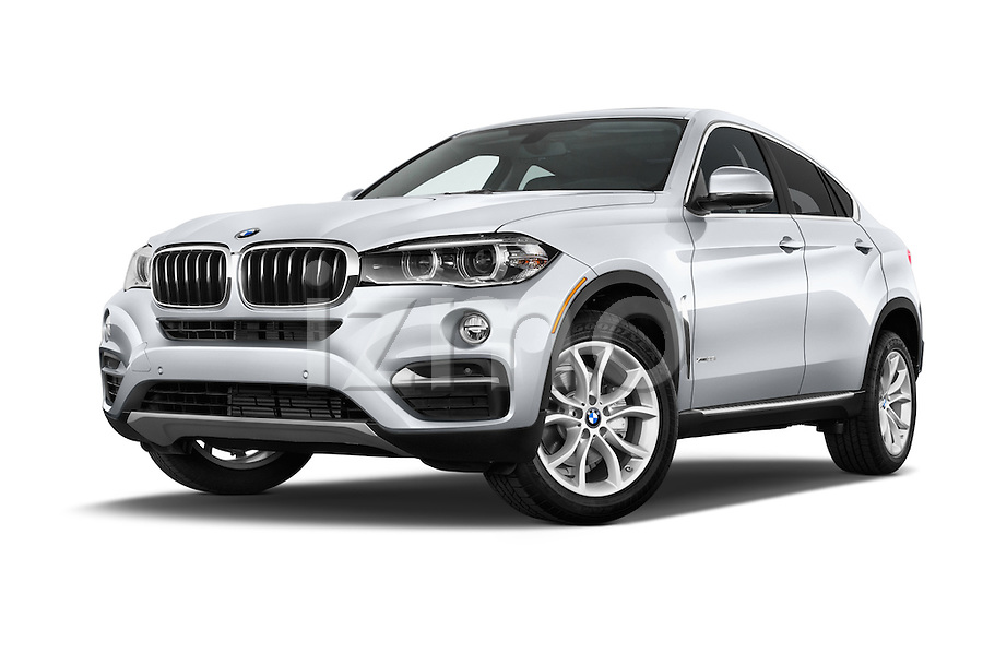 stock pictures of low aggressive front three quarter view of a 2015 bmw x6 sdrive35i 5 door suv. Black Bedroom Furniture Sets. Home Design Ideas