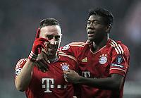 FUSSBALL   CHAMPIONS LEAGUE   SAISON 2011/2012     22.11.2011 FC Bayern Muenchen - FC Villarreal Jubel nach dem Tor zum 3:1 Franck Ribery , David Alaba (v. li., FC Bayern Muenchen)