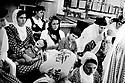 Turquie 1998.Un mariage kurde à Celçuk:ambiance grave..Turkey 1998.Kurdish wedding in Celcuk