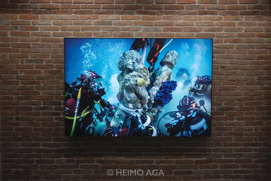 Punta della Dogana.<br /> Damien Hirst: Treasures from the Wreck of the Unbelievable.<br /> Marble Slaves Used<br />for Target Practice.