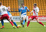 St Johnstone v Kilmarnock&hellip;15.10.16.. McDiarmid Park   SPFL<br />Murray Davidson tackles Martin Smith<br />Picture by Graeme Hart.<br />Copyright Perthshire Picture Agency<br />Tel: 01738 623350  Mobile: 07990 594431